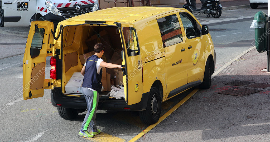 360696ce27 La Poste Yellow Parcel Delivery Van And Employee GIF