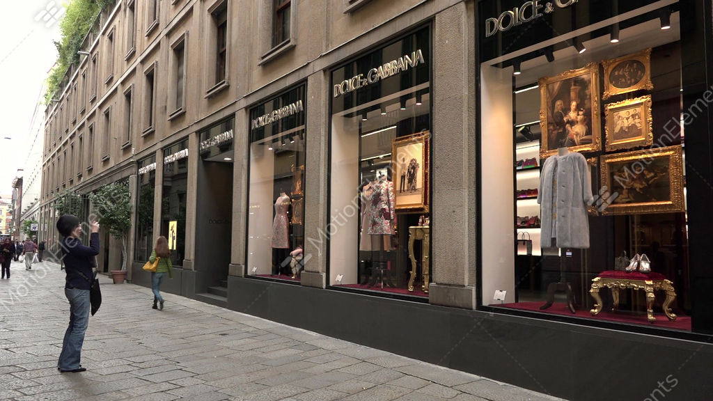 2f4c19dd4a Fashion District Dolce Gabbana Shop Store Tourists Milan Milano Italy GIF |  10091342